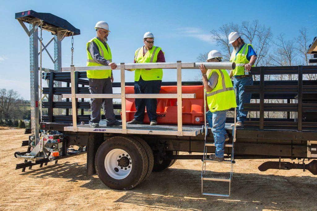 8' Mobile Work Platform + Trucker I Ladder